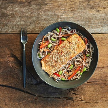 Sesame Salmon with Soba Noodles and Bell Peppers Recipe | SideChef