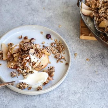 Gluten-Free Apple Crisp with Hazelnut Crumble Recipe | SideChef