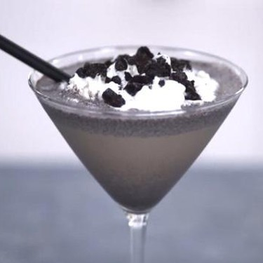 Cookies and Cream Cocktail Recipe | SideChef