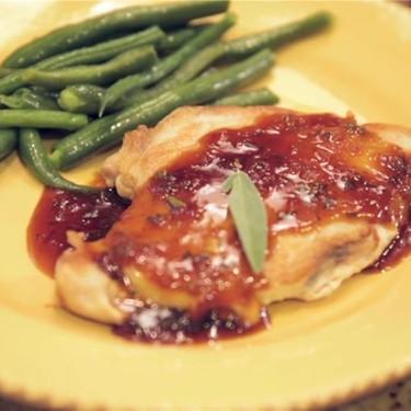 Apricot-Sage Chicken Breast & Steamed Green Beans Recipe | SideChef