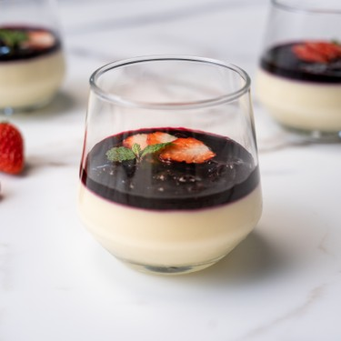 Air Sous Vide Panna Cotta with Blueberry Reduction Recipe | SideChef