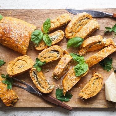Tomato & Spinach Bread Roulade Recipe | SideChef