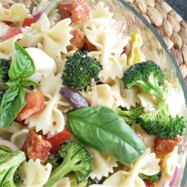 Farfalle with Pepperoni, Mozzarella, and Broccoli Recipe | SideChef