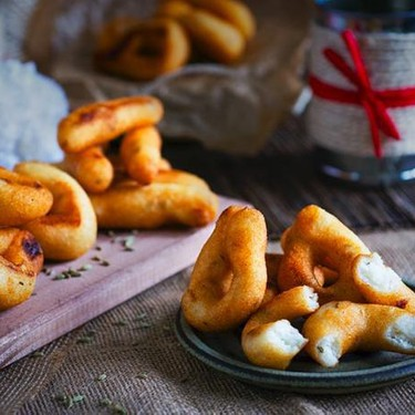 Venezuelan Party Fritters with Polenta and Fennel Seeds Recipe | SideChef