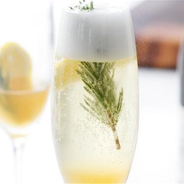 Sparkling Lemon Rosemary Cocktail Recipe | SideChef