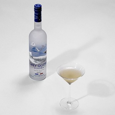 Dirty Martini (Vodka) Recipe | SideChef