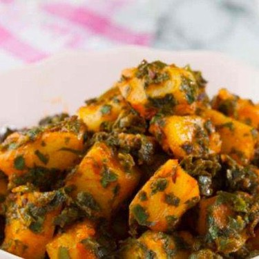 Potatoes with Spinach Recipe | SideChef