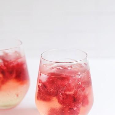 Iced Raspberry Spritz Recipe | SideChef