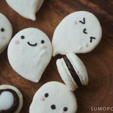 Dark Chocolate Peppermint Ghost Macarons Recipe   SideChef