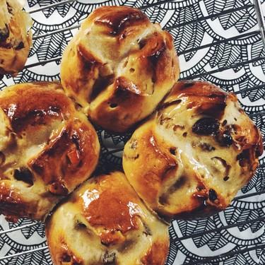 Rooibos Chai & Honey Hot Cross Buns Recipe   SideChef