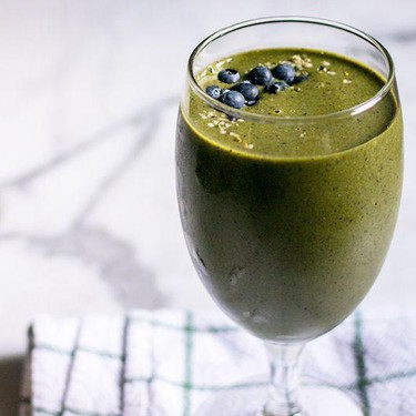 Peanut Butter Banana and Berry Green Smoothie Recipe | SideChef