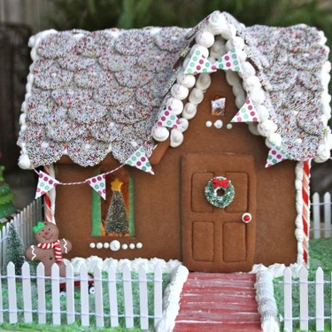 Christmas Gingerbread House Recipe | SideChef