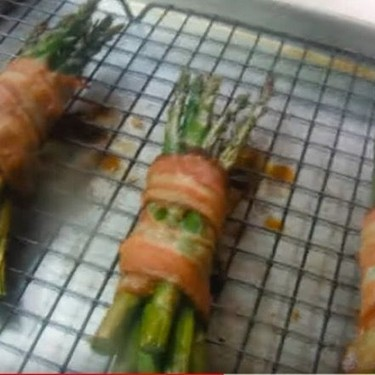 Easy Bacon-Wrapped Asparagus Recipe | SideChef