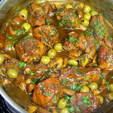 Mushroom and Olive Stewed Chicken Recipe | SideChef