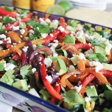 Vegetable Fajita Salad with Chipotle Vinaigrette Recipe | SideChef