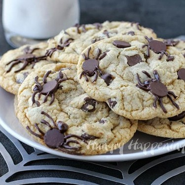 Spider-Infested Chocolate Chip Cookies Recipe | SideChef