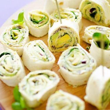 Avocado Pesto Pinwheels Recipe | SideChef