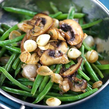 Haricot Verts with Mushrooms and Caramelized Onions Recipe | SideChef