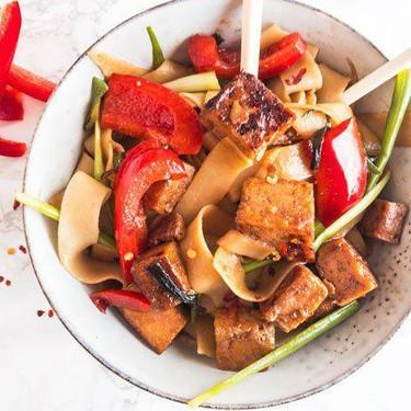 Vegan Sweet Garlic Tofu Drunken Noodles Recipe | SideChef