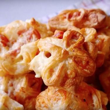 "Pancetta & Cheese ""Flower"" Party Pastries Recipe   SideChef"