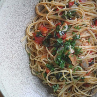 Garlic Linguine with Fresh Tomato and Basil Recipe | SideChef