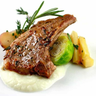 Rosemary and Thyme Lamb Chops Recipe | SideChef