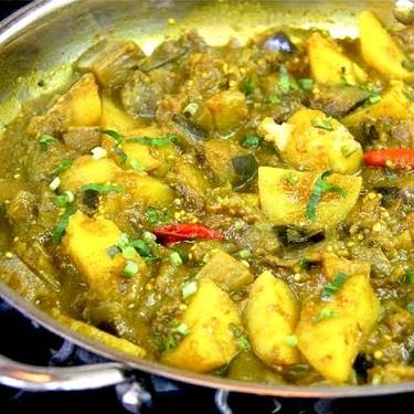 Baigan & Aloo (Vegan Curry Eggplant & Potato) Recipe | SideChef