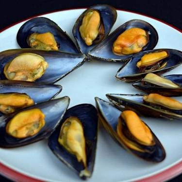 Easy White Wine Mussels Recipe | SideChef