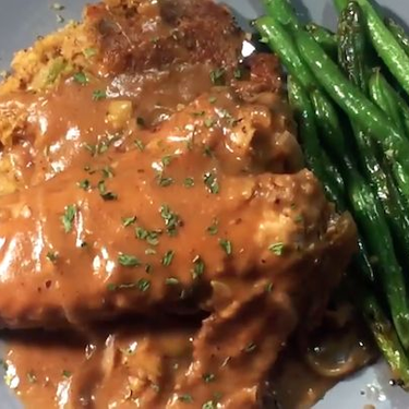 Air Fryer Smothered Turkey Wings Recipe   SideChef