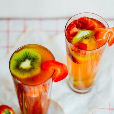 Strawberry Kiwi Champagne Cocktail Recipe   SideChef