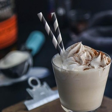 Dirty Chai Bourbon Vanilla Milkshakes Recipe | SideChef