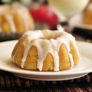 Mini Piña Colada Bundt Cakes Recipe | SideChef