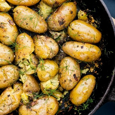 New Potatoes with Garlic and Dill Recipe | SideChef