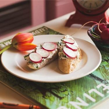 French Radish and Butter Toastet Recipe | SideChef
