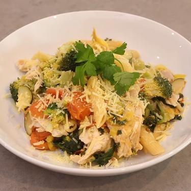 One-Pot Healthy Chicken Pasta Recipe | SideChef