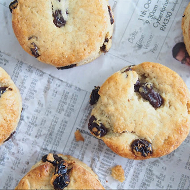 Oatmeal Buttermilk Scones Recipe | SideChef