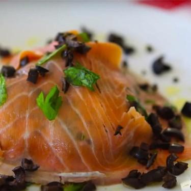 Smoked Salmon Salad Recipe | SideChef