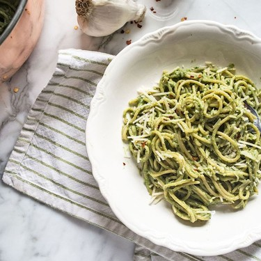 Garlic Kale Pesto Pasta Recipe | SideChef