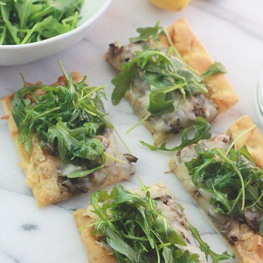 Mushroom Pizza with Artichoke Pesto and Arugula Recipe   SideChef