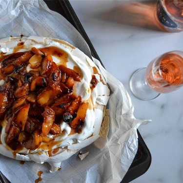 Caramelized Peach Pavlova Recipe | SideChef
