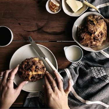 No Knead Spelt Hot Cross Buns Recipe | SideChef