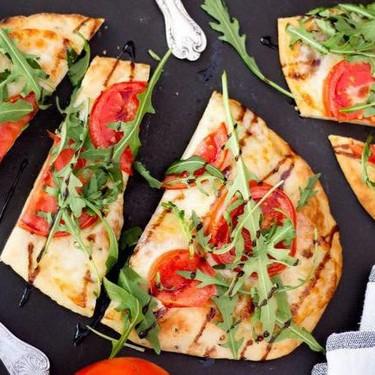 15 Minute Tomato & Mozzarella Naan Pizza Recipe   SideChef