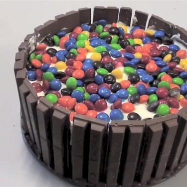 Kit Kat and M&M Cake Recipe | SideChef