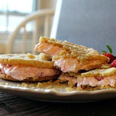 Strawberries & Cream Sugar Cookie Sandwiches Recipe | SideChef