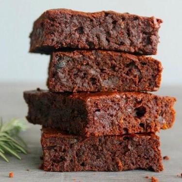 Rosemary Infused Fudgy Chocolate Brownies Recipe | SideChef