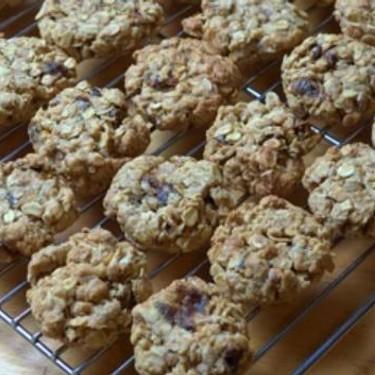 Classic Oat and Date Cookies Recipe | SideChef