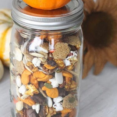 Fall Party Mix with Salted Caramel Recipe | SideChef