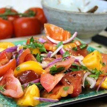 Simple Heirloom Tomato Salad Recipe | SideChef
