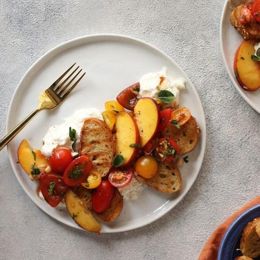 Peach Caprese Crostini Salad with Burrata Recipe | SideChef