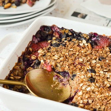 Red White and Blueberry Oatmeal Bake Recipe | SideChef